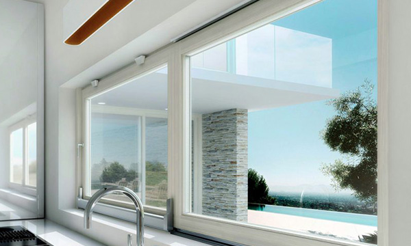 infissi tecnici di una vetrata di una cucina