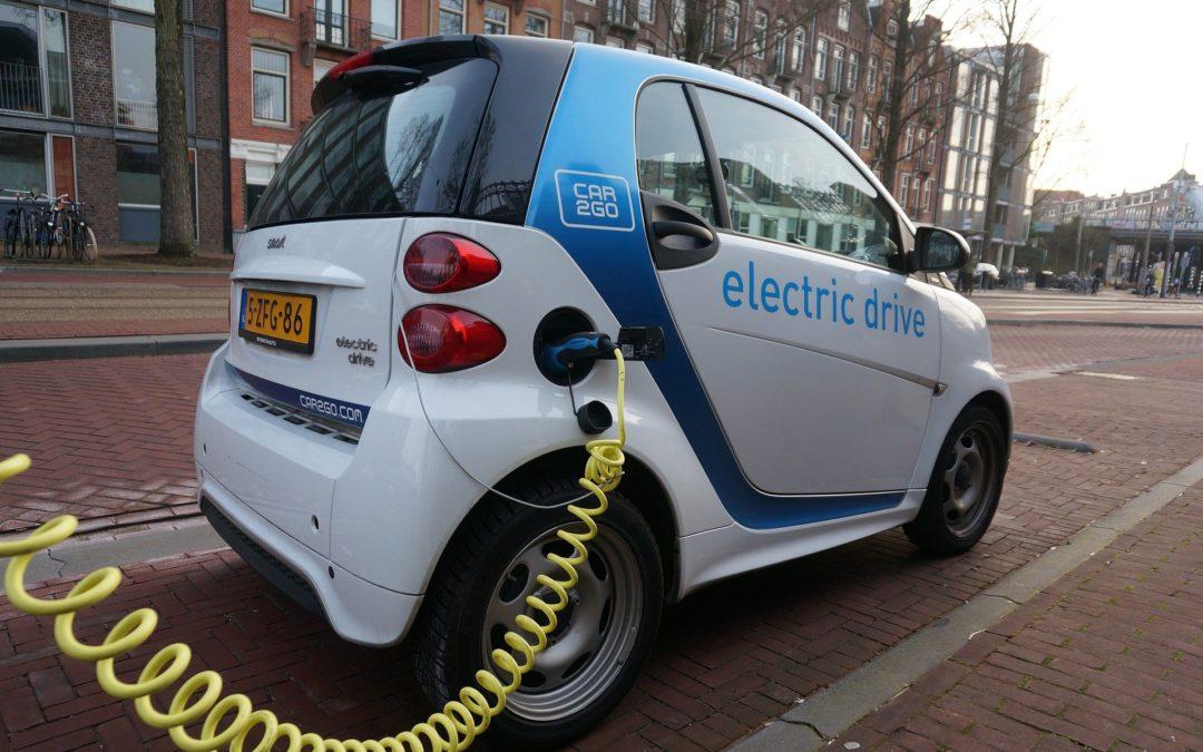 Colonnine di ricarica per veicoli elettrici: tutte le opportunità del nuovo settore